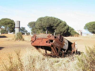 Coche quemado y volcado (2003)