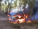 Coche ardiendo (2003, foto 3)