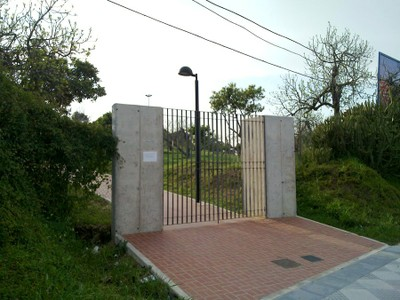Acceso a la Casa La Morera (vista cruzada)