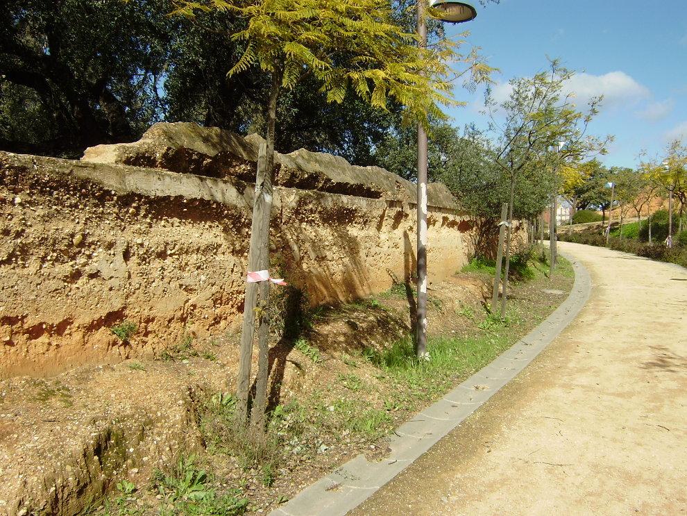 El muro del Parque Moret y La Memoria Histórica